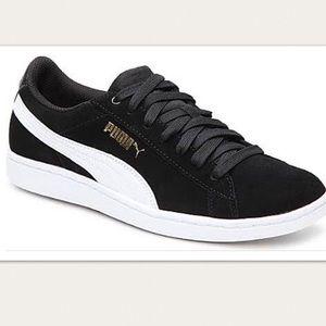 Puma Vikky Lo Suede Sneaker Black/White